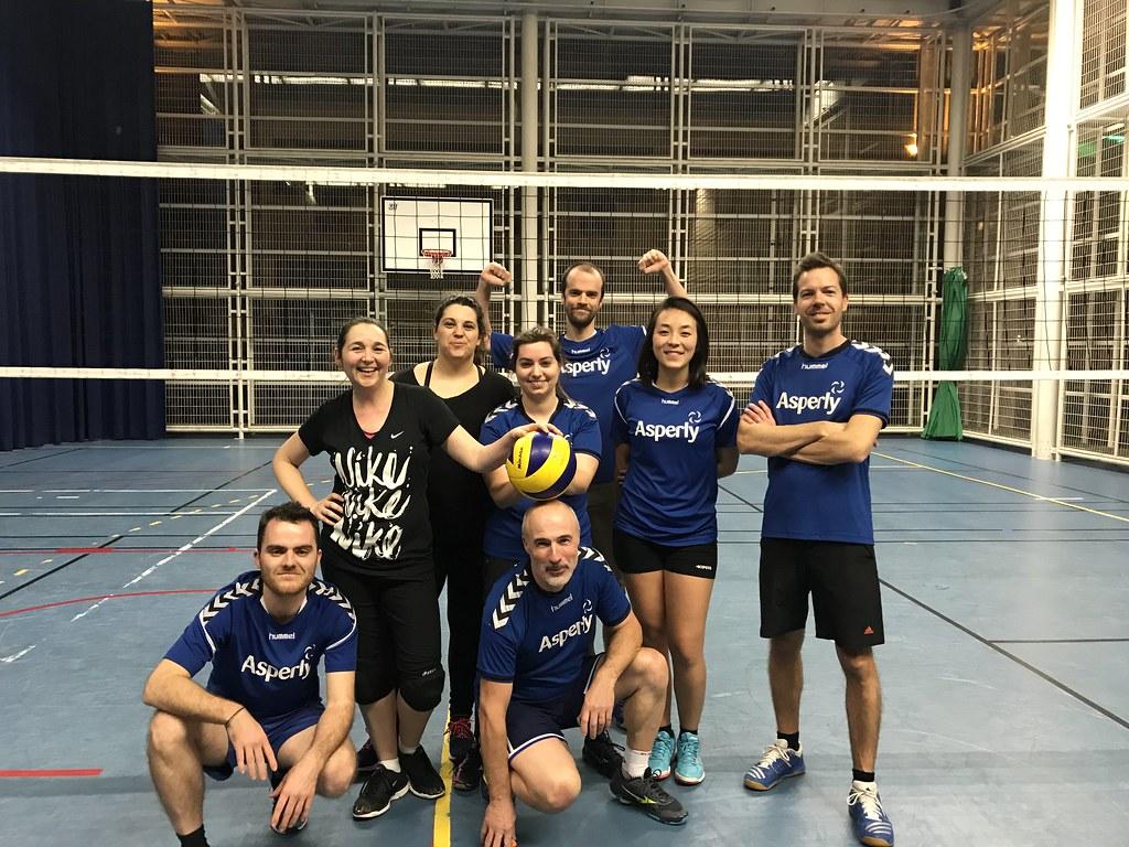 Des amis, du volley, une équipe